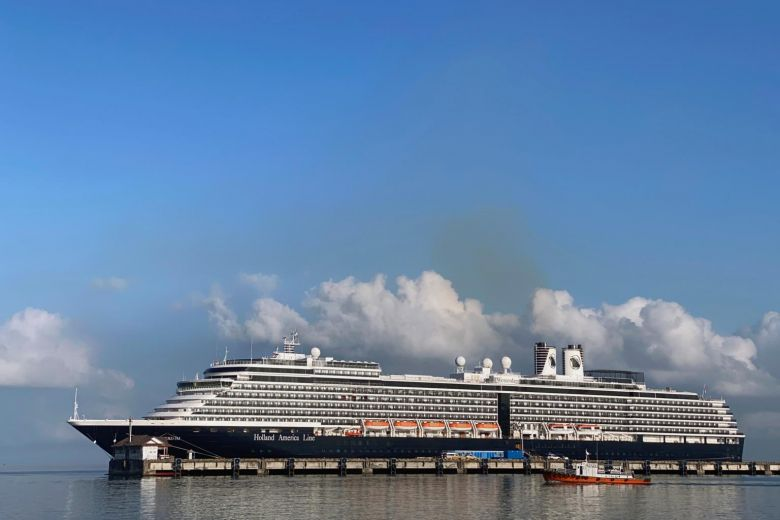 Crew evacuated on cruise ship from Singapore to Bali