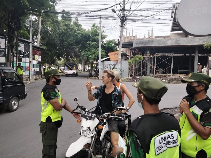 Foreigners disobey Covid rules and laughing at authorities who will increased the fines from 100.000 Rp ( 7 US$ ) to 500.000 Rp ( 35 US$ ) for not wearing a mask.